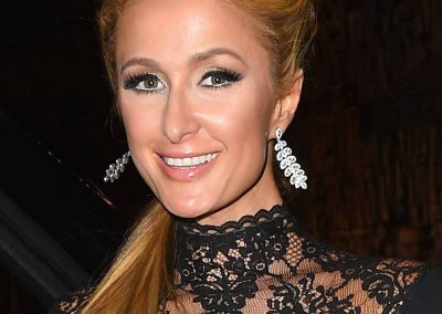 Paris-Hilton-Displays-her-2-Million-Dollars-Engagement-Ring-with-Fiance-Chris-Zylka-in-LA-January-06-2018-8