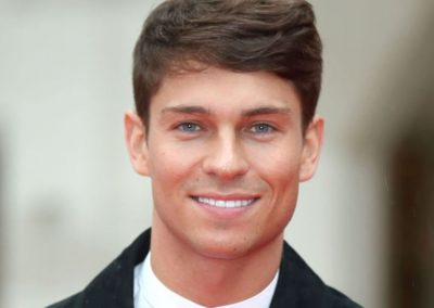 landscape-1453475908-showbiz-military-awards-joey-essex